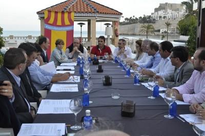 """#JuntsSenseFronteres concluye que """"las fronteras tendrán resultados negativos para el turismo de los dos territorios"""""""